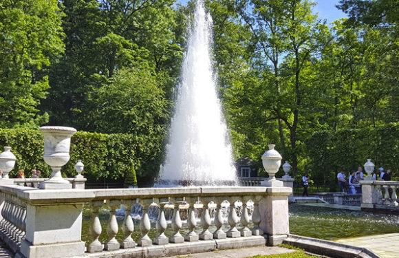 Цветочное оформление сада и декоративные фонтаны